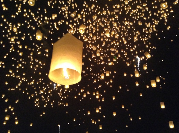 The Yee Peng festival at Mae Jo University. 10,000 komloys let off at once.