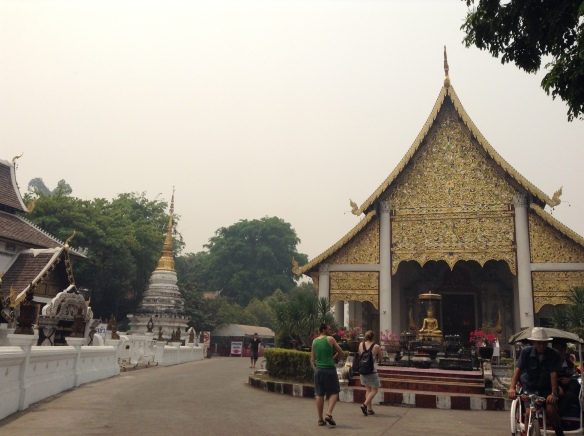 ...so here is the lovely Wat Phra Singh. Look at that smoggy sky. March 21, 2014.