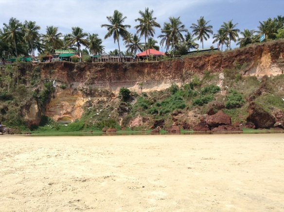 Looking at the cliff on Varkala beach. In this picture it isn't obvious, but there was a huge amount of garbage on the cliffs and more was continually thrown from the top.