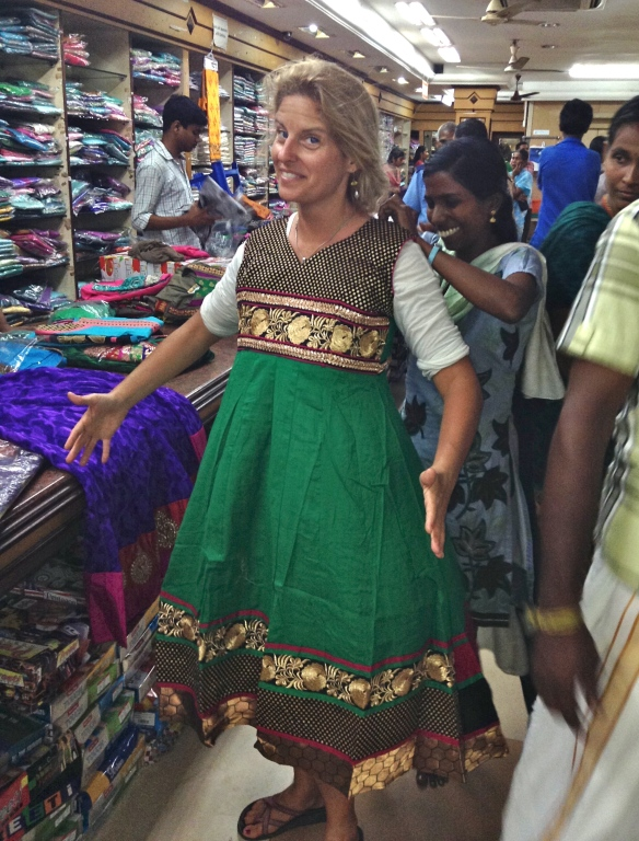 Mini told us this was the new style of Salwar Kameez. Sure enough, I did see plenty of Indian women wearing these. On the other hand it made me feel like a human bell.